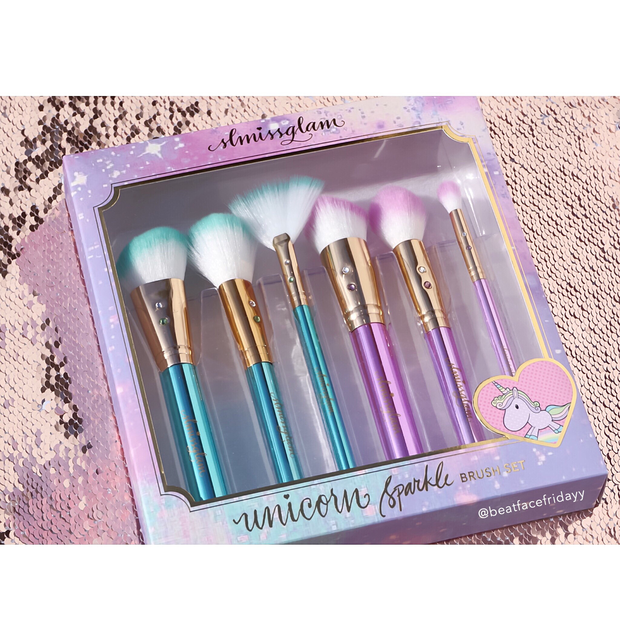unicorn brush sets. each brush set is package and sent beautifully in pink princess boxes wrapped to perfection. stephanie, being the sweetest person she is, has offered my unicorn sets